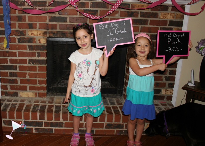 Learn how to make the Ultimate DIY First Day of School Sign that won't block your child's outfit. This easy DIY craft can be done in under an hour. Includes tips and tricks to make this project even easier. Back To School Sign|DIY Sign |Kids Photo booth Sign | Photo booth speech bubble sign