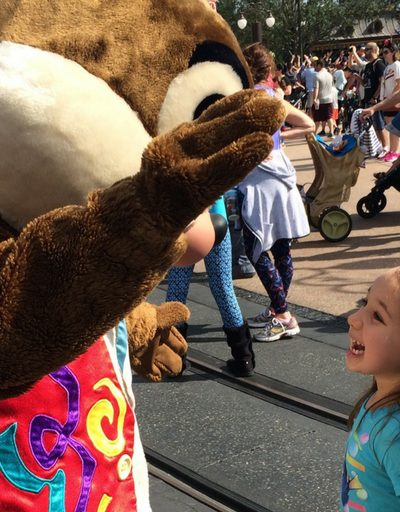 How to Keep Kids Safe at Theme Parks and Festivals-Part I Preparing for Crowds