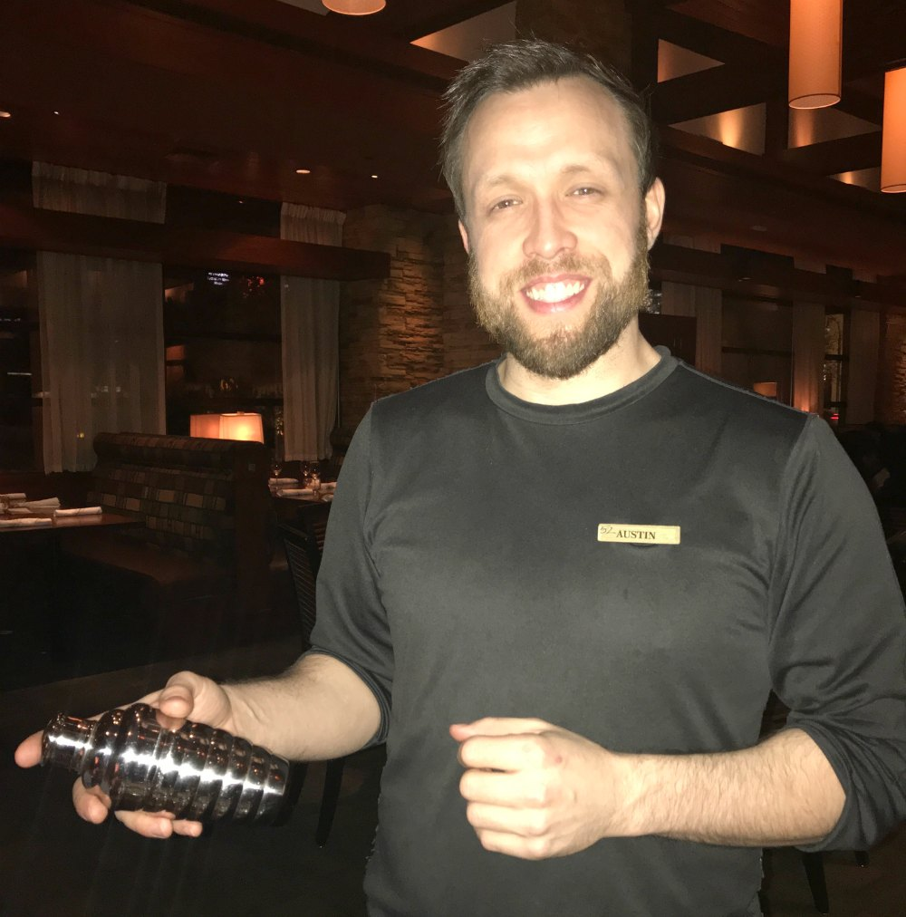 Learn 3 Fresh Ways to Create the perfect cocktail from head bartender at Seasons 52 in Buckhead, Atlanta. I'm sharing my favorite recipes and 3 important tricks to help you turn your next homemade drink recipe into a Pour of Perfection! (Sponsored)