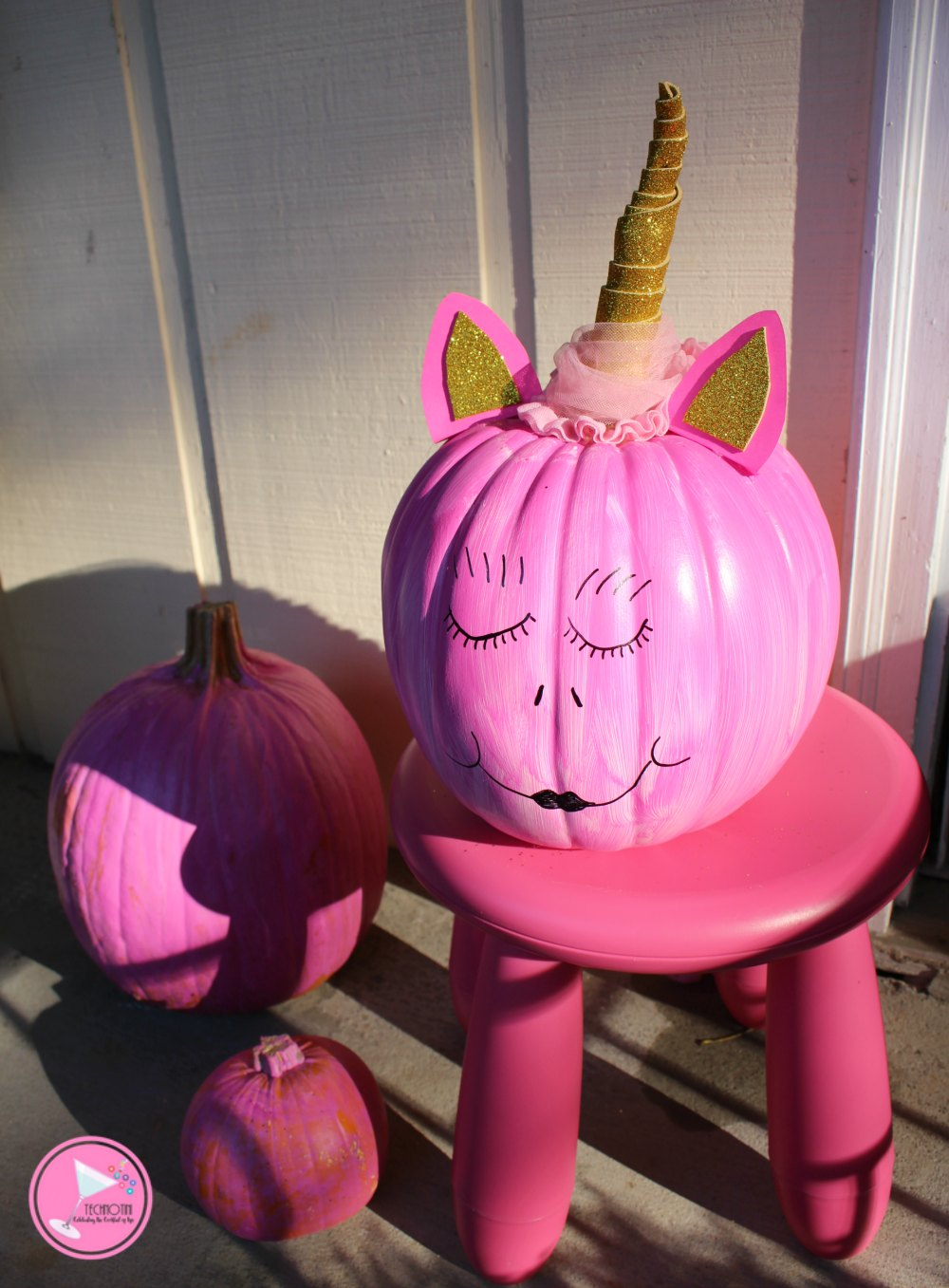 This super fun Unicorn Pumpkin craft is great for kids. It's also perfect if you're looking to combine Halloween and Breast Cancer Awareness décor! Check out my amazing trick using upcycled material for the mane. You'll never guess where it came from!